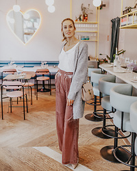 Anna Pauliina -  - MY COMFY LOOK FOR A DATE AT YES YES YES