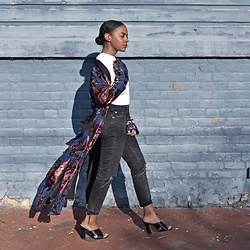 Knits Over Coffee - Zara Floral Kimono, Asos Farleigh Jeans, Marc Fisher Navy Blue Mules - Robed in Floral