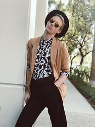William Dober - St Johns Trousers, Forever 21 Blazer, H&M Pattern Shirt - Duckie Dale.