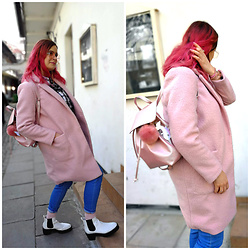 Marcel K - New Look Oversize Coat, Stradivarius Jeans, Pull & Bear Ankle Boots, Bershka Backpack - Spring pink