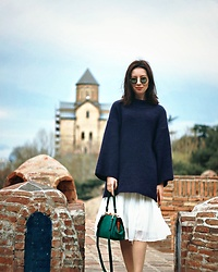 Elzara Muslimova - Zara Bag - Tuesday uniform