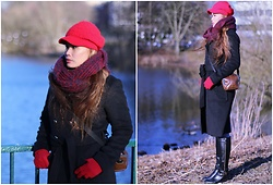 Kintan T - H&M Black Coat, C&A Winter Scarf, Unknown Red Hat, Taywin Original Flat Boots - FASHION DIVERSITY