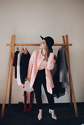 Lyzie McCake - Boohoo Pink Coat, Zara Black Trousers, Aldo Pink Shoes - Vinted Girl