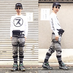 @KiD - (K)Ollaps Ambient Techno, Supa Resque Weara Aphex ス Logo Tee, Rvca Waist Porch, Shoop Pc Crash Pattern Pants, Camper Bernhard Wilhelm - JapaneseTrash350