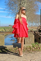 Emma MAS - Emma Loves Fashion Dress - Red ruffles dress