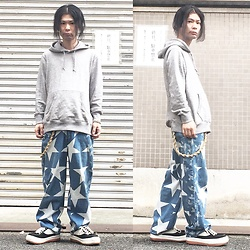 @KiD - Uniqlo Gray Hoodie, Vivienne Westwood Vintage Star & Orb Pants, North Wave Espresso - JapaneseTrash351