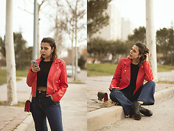 Elsa Gervasi - Twinkleadeals Earrings, Pull & Bear Biker, Pull & Bear Jeans, Stradivarius Top, Newchic Booties - Cross Earrings