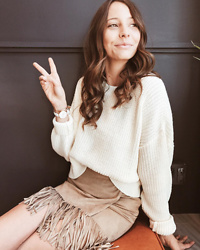 K-laa White - Urban Outfitters Bdg Drop Sleeve Fisherman Sweater, Abercrombie & Fitch Old, Daniel Wellington Classic Petite Bondi 28 Rose Gold - Peace out baby