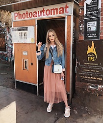Laura Simon - Puma Rose Sneakers, Zara Rose Skirt, Tommy Hilfiger White Bag, Topshop Denim Jacket - Spring in Berlin ☀️