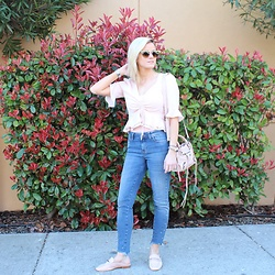 Kim Tuttle - Zara Pearl Jeans, Bp Blush Slides, Astr Polka Dot Top, Balenciaga Mini City - Napa Valley ootd