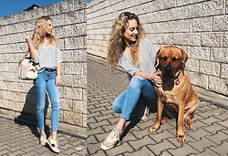 Adela K - Stradivarius Shirt, Gucci Belt, Stradivarius Ripped Jeans, Guess Sneeks, Liu Jo Beige - My dog loves the sun