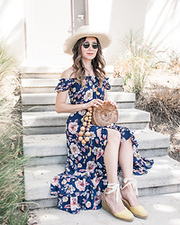 Elizabeth Lee (Stylewich) - Cult Gaia Luna Bag, Castaner Carina Espadrilles, Aqua Floral Maxi Dress - Vacation
