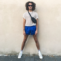 Bart Merks - Adidas Vintage Short, Weekday Fishnet T Shirt, Adidas Sport Socks, Adidas White Sneakers, Vintage Fannypack, Urban Outfitters Black Sunglasses - Sun's out, guns out.