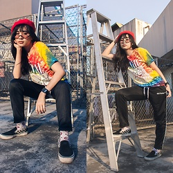 Nicole Saludar - Vans Thrasher, Set Sail Suppy Co Trackpants - Summer vibe