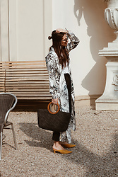 Deea / Www.lesfactoryfemmes.com - Gestuz Silk Dress, &Othersories Mules, Asos Strohtasche - THE ITALIAN-GIRL STYLE