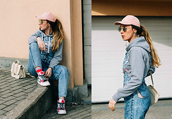 Iwona - Nike Sneakers, Born86 Sunglasses, Vintage Denim Overalls - GOODBYE WINTER
