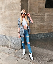 Laura Simon - Steve Madden White Boots, Topshop Ripped Jeans, Na Kd Blazer, Urban Outfitters White Shirt, Gucci White Belt, Topshop White Sunglasses - White in Spring
