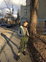 Juliette Bernier - Levi's® Denim Jacket, Black Booties, Trift Shop Corduroy Army Green Pants - Spring walk