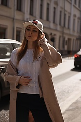 Katie - Paul Smith White Pullover, Tommy Hilfiger Logo Cap - Tommy thoughts