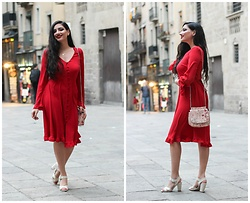 Gilda - Asos Red Dress, Esprit Bag, Zara White Sandals -  RED SWING DRESS IN PLAÇA DEL REI