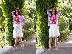 Irina Petrova - Minion Factory Carrie Chiffon Top, Kari Sunglasses - Unicorny