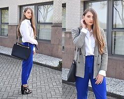 Paulina Kędzierska - White Shirt, Checkered Blazer, Cobalt Pants, Black Heels, Black Bag - Boyfriend shirt
