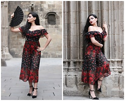 Gilda - Asos Flower Jumpsuit, Zara Black Heels - FLAMENCO-LIKE FLOWER JUMPSUIT IN BARRI GÒTIC