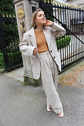 Anna Borisovna - H&M Earrings, Mango Top, H&M Blazer, H&M Pants, Céline Shoes - The Linen Suit www.annaborisovna.de