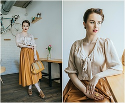 Drew - Zara Skirt, Atmosphere Blouse - Vintage retro girl