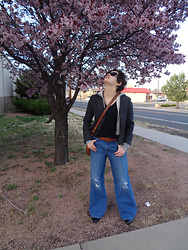 LogicFree - Zerouv Sunglasses, Urban Behavior Jacket, Old Navy T Shirt, Lucky Brand Bag, Levi's® Jeans, Shoemint Shoes - Springy