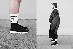 Wyatt Morgan - Weekday Love & Fire Print Socks, Fila X Weekday Socks Sneaker, H&M Black Bomber - 28 04