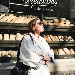 Vera Zaharova - Mango Earrings, Vintage Coat, Terranova T Shirt, Vintage Bag, Gucci Sunglasses - Breadway