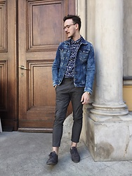 Bartek Piekara - Guess Jacket, Stradivarius Shirt, Pull & Bear Pants - Moving on