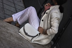 Isabel Alexander - Loft White Denim Pant, The Cambridge Satchel Company White Bag - All white spring look