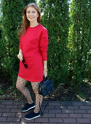Aleksandra Siara - Missguided Dress, Massimo Dutti Sport Shoes - Red dress
