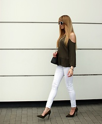 Diane Fashion -  - Khaki and white look