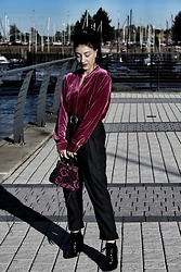 Weronika Bukowczan - Marks & Spencer Pink Velvet Shirt, Cos Baggy High Waisted Trousers, Zara Black Lace Up Ankle Boots, Unbranded Vintage Beaded Purple Bag - Pink blink