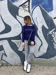 The laid-back girl Léa - Sandro Sweater, Sezane Bag, Mango Pants, Missguided Boots - Blue sweater
