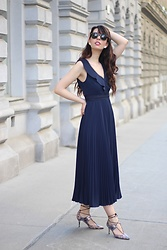 Jelena - Navy Formal Dress, Asos Snake Print Heels, Ray Ban Wayfarer Sunglasses - Navy dress