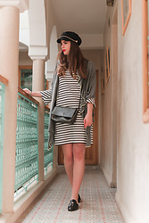 Andrea Funk / andysparkles.de - Street One Dress - Striped Dress and Baker Boy Hat