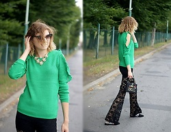 Kamila Krawczyk - Romwe Sweater, Boohoo Pants, Lovelywholesale Bag - Lace & green