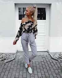 Franziska Elter - Znu Floral Off Shoulder Chiffon Blouse, Znu High Waist Lotus Leaf Straps Slim Pants - Happy Sunday