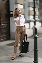 Jess A. - Atp Atelier Bag - WOOLEN TROUSERS IN CAMEL