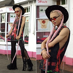 Milex X - Giant Vintage Sunglasses, Liberated Heart Tank Top, Prickly Rose Pants - PRICKLY ROSE