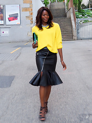 PAMELA - Mango Yellow Sweater, H&M Ruffle Hem Skirt, Vince Camuto Lace Up Sandals - THE RUFFLE HEM SKIRT