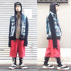 @KiD - Municifal Waste Meshed Cap, Givenchy Leopard Tee, Diy Vest, Insight Black Hoodie, Code Red Crist Shorts, Shocker Bone Leggings, Nortwave Espresso - JapaneseTrash381
