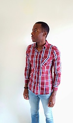 Thomas G - Zara Button Down Studded Plaid, Cross Bracelet, Choker, Levi's® 547 Strauss & Co, Contributing Writer At Virily, Contributing Writer & Photographer At Yelp - Button-down studded plaid shirt + Light denim jeans