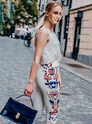 Alicia Simonič - Stradivarius White Silk Sleeveless Top, Zara White Wide Pants With Floral Print - White Spring