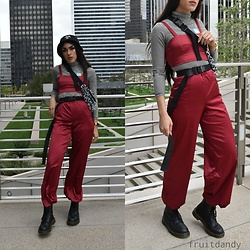 "Fruitdandy - Fashion Nova 2 Piece Set, Supreme Fanny Pack, Stüssy Bucket Hat, Uniqlo Turtle Neck, Dr. Martens Vegan ""Leather"" Boots - Windy city"