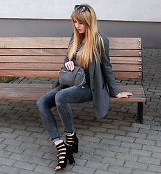 Diane Fashion -  - Grey total look
